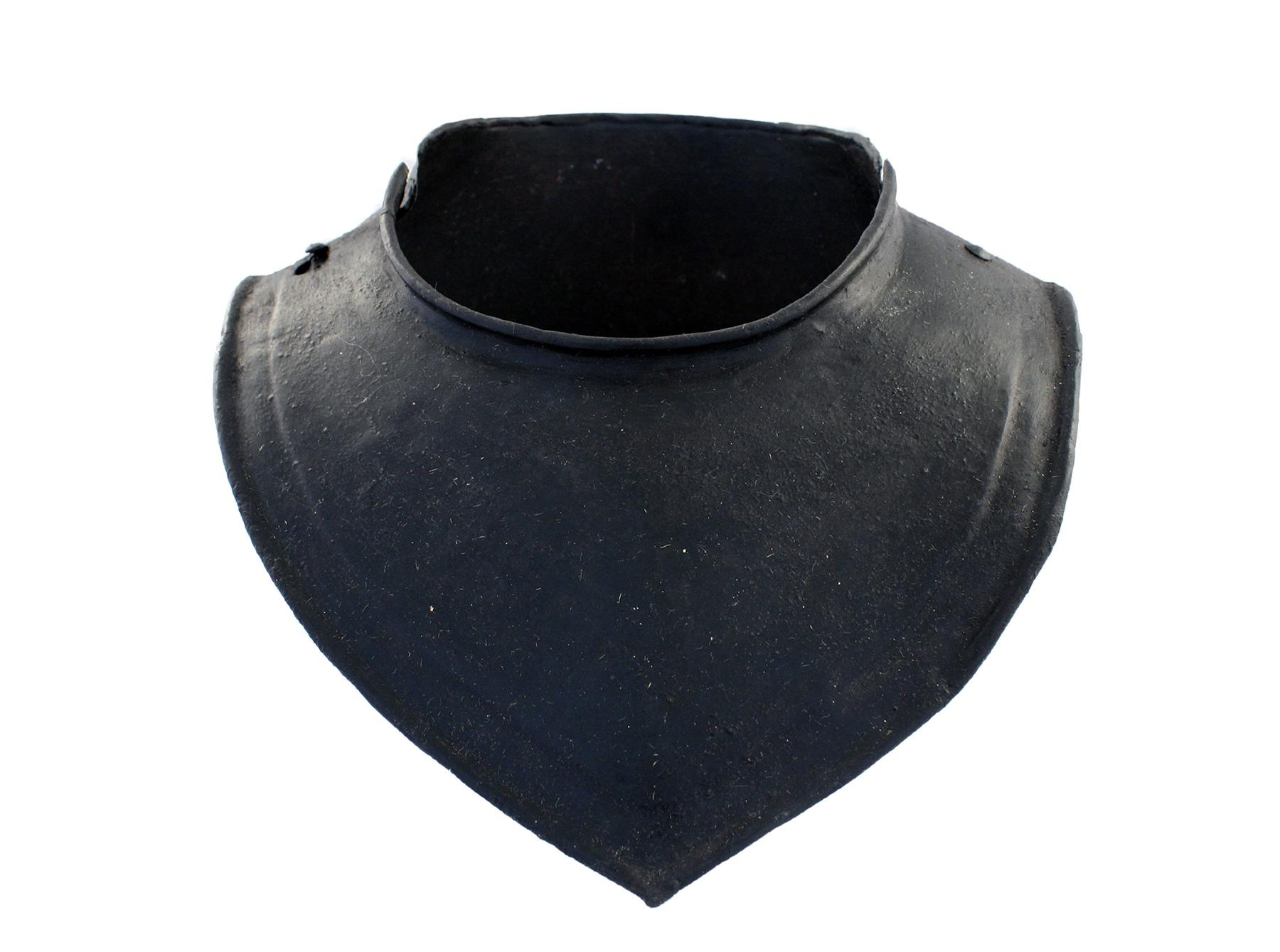 A English Gorget