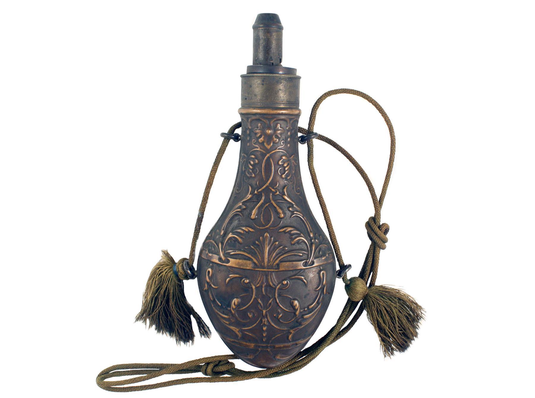 A Foliate Powder Flask